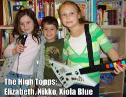 The High Topps are: Elizabeth, Nikolai and Xiola Blue - photo by Rökker
