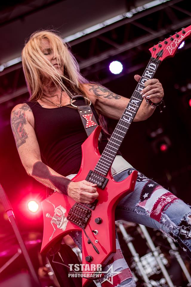 Lita Ford rocking Ho-Chunk Casino in Wisconsin Dells - photo by Tricia Starr - TStarr Photography
