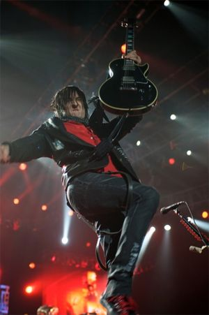 Guitarist Richard Fortus