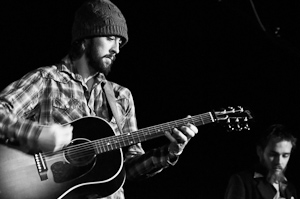 Ryan Bingham and The Dead Horses - photo by Jennifer Bronenkant