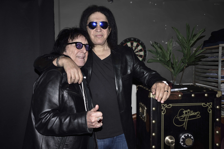 Peter Criss & Gene Simmons - photo by Michael Sherer
