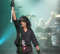 Alice Cooper  at the Riverside Theater in Milwaukee, WI - August 5th, 2008 - photo by Kristin Kizer