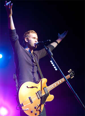 Lifehouse at the Rave in Milwaukee - photo by Paul Weber